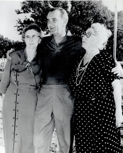 Jessie Hatcher (left), her nephew Lyndon Johnson, and their cousin Oreole Bailey. Jessie and Oreole were both lifelong Christadelphians who told reporters that they did not vote for Lyndon in 1964. This was when he won the Presidency in his own right, after the death of the previous President, John Kennedy.